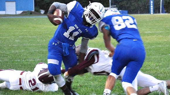 Hen Hud's Donte White breaks tackle and runs for first-half