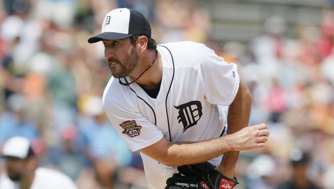 Detroit Tigers starting pitcher Justin Verlander throws during the first inning of a spring training exhibition baseball game against the Washington Nationals in Lakeland, Fla., Sunday, March 22, 2015.