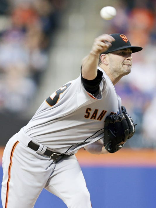 San Francisco Giants' Chris Heston delivers a pitch during the first inning of a baseball game against the New York Mets Tuesday.