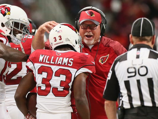 635850404708009467-Cardinals-Rams-Footba-Heis.jpg