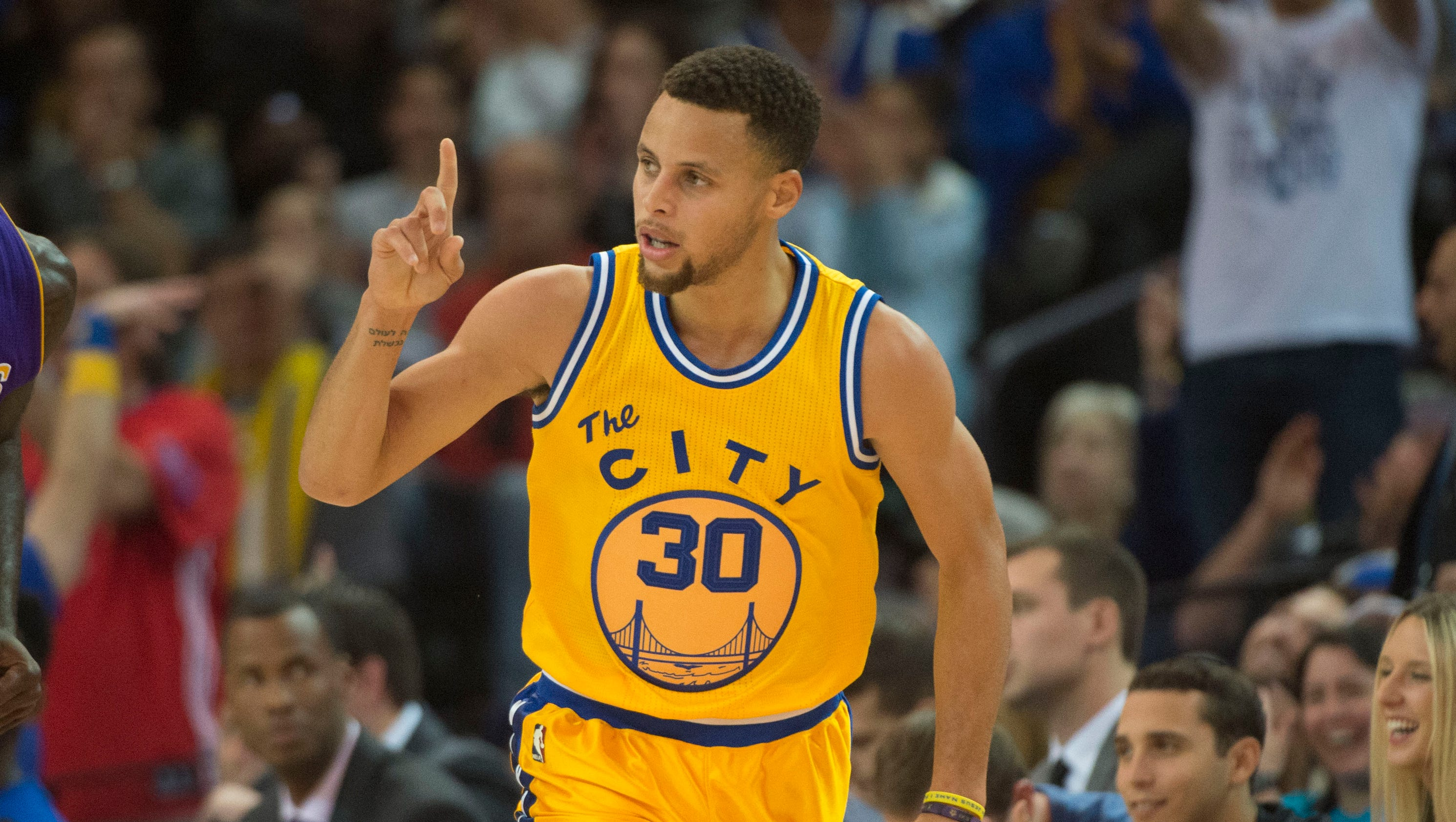 Golden State Warriors hit higher level with 16-0 start