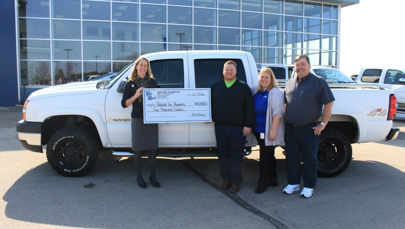 fond du lac area habitat for humanity receives donations for new truck. Black Bedroom Furniture Sets. Home Design Ideas