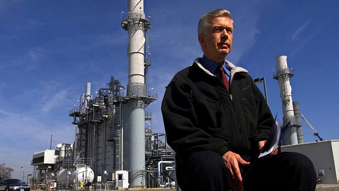 Then-California Gov. Gray Davis waits for the start of a news conference at a power plant owned by the Sacramento Municipal Utility District on March 13, 2001.