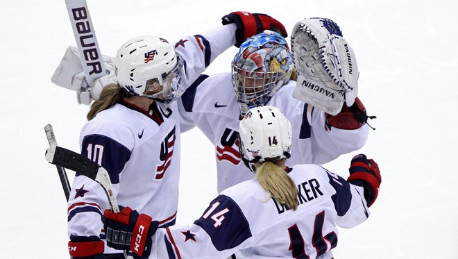 The U.S. women's hockey team is showing a united front on social media.