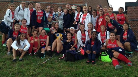 Ketcham's field hockey team took part in the Yorktown team's drive, donating to the Westchester SPCA.