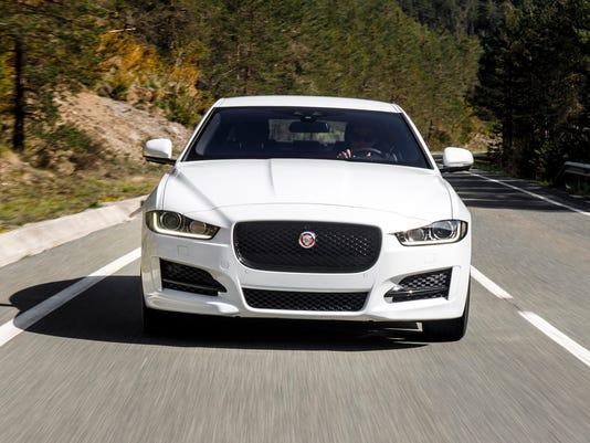 636100659652892487-2017-Jaguar-XE-17.JPG