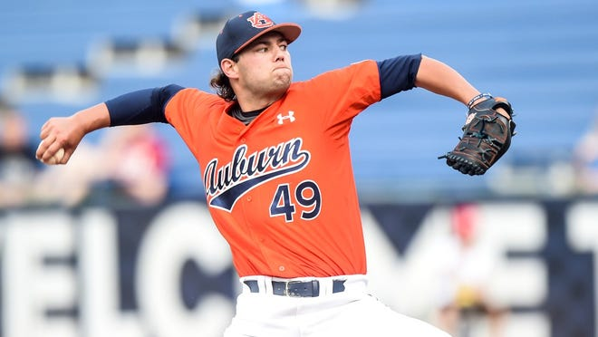 Edgewood's Cole Lipscomb will start for Auburn against College of Charleston Friday in an NCAA regional matchup.