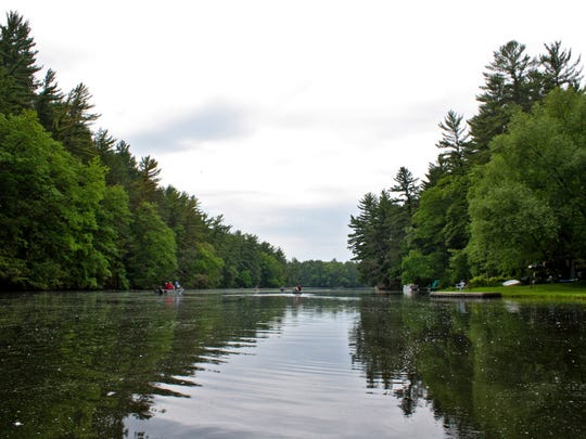 Mirror Lake, near Wisconsin Dells, is a great place for novice and experienced paddlers to get out on the water.