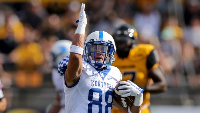 Sep 2, 2017; Hattiesburg, MS, USA; Kentucky Wildcats wide receiver Charles Walker (88) gestures after a catch against the Southern Miss Golden Eagles in the second quarter at M. M. Roberts Stadium.