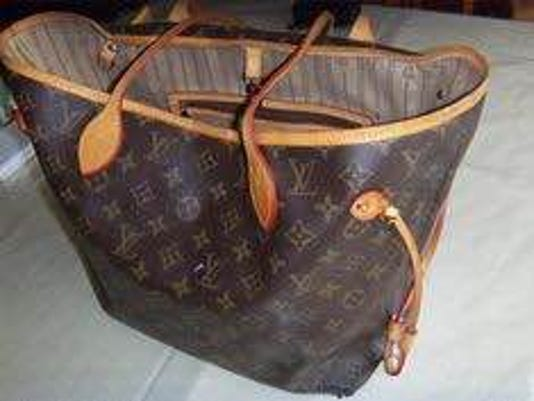 636136952001730202-Stolen-Louis-Vuitton.Actual-Purse.JPG