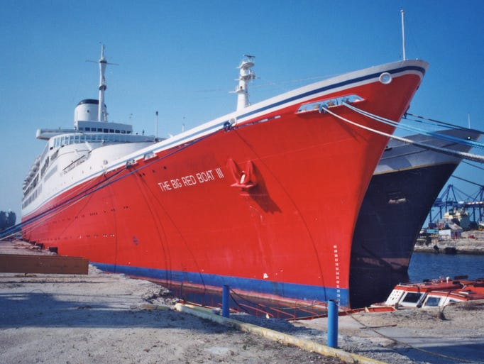 Cruise Ship Tours The Early Icons Of The Carnival Fleet