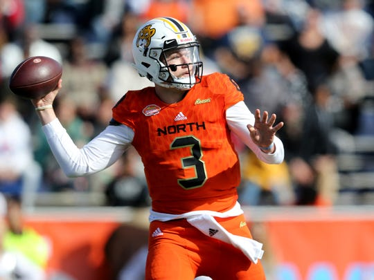 North quarterback Drew Lock of Missouri (3) looks to throw against the South team in the first quarter of the Senior Bowl at Ladd-Peebles Stadium.