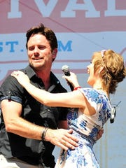 Charles Esten and Clare Bowen say goodbye to