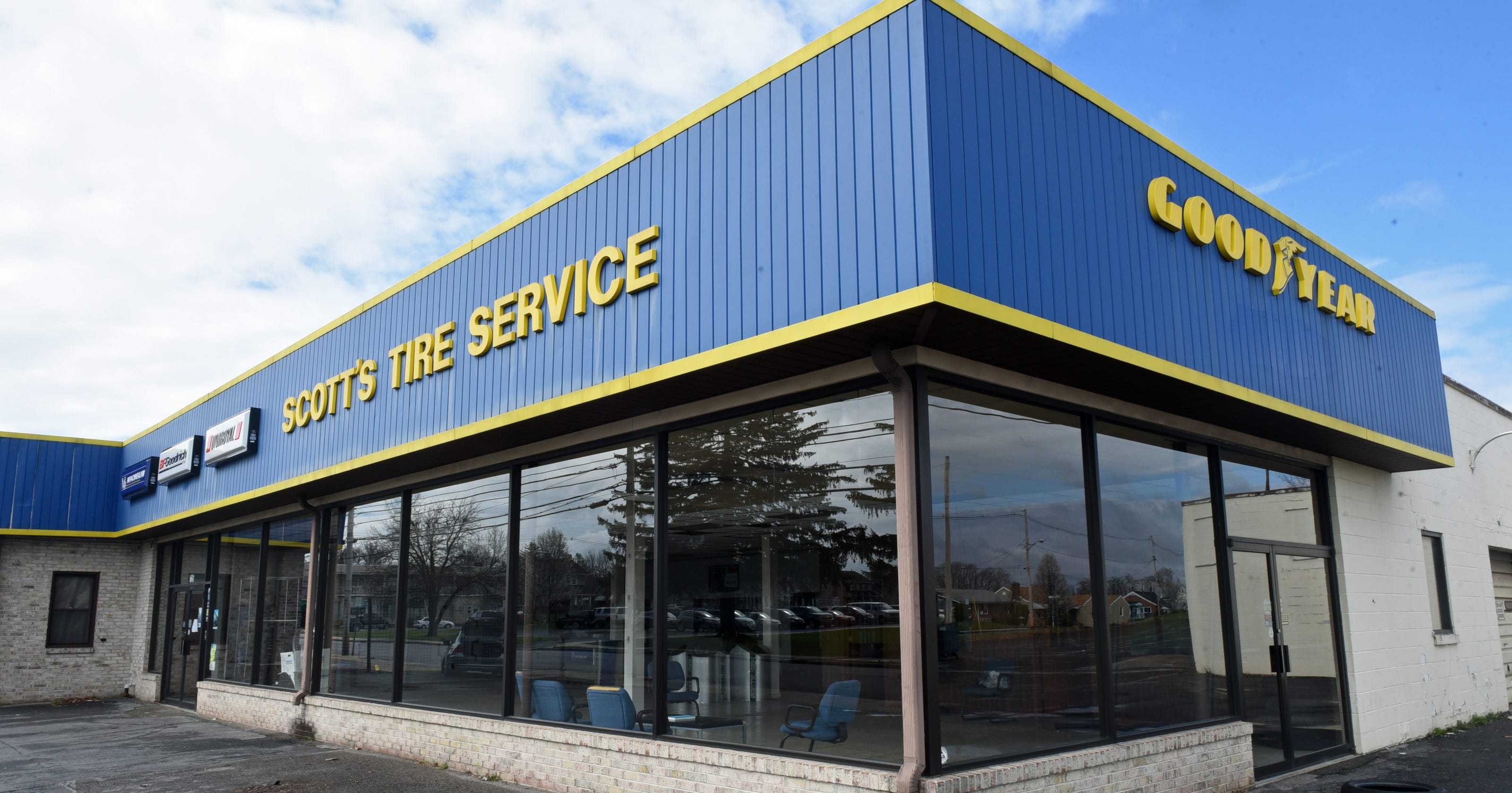 scott 39 s tire service closes after 30 years. Black Bedroom Furniture Sets. Home Design Ideas