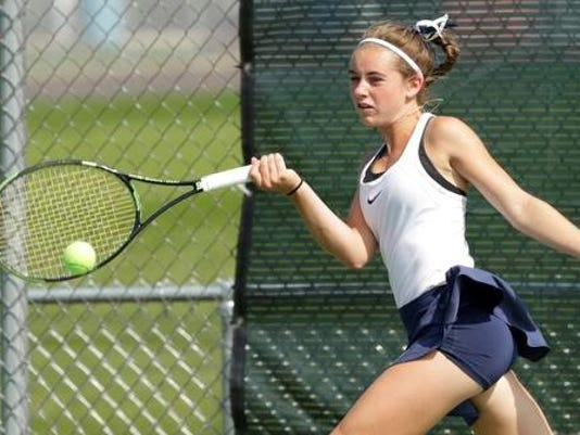 636392063465092304-Oshkosh-West-tennis.jpg