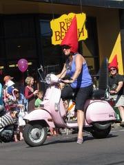SAL0731-WK BB Homer Davenport Festival parade 1