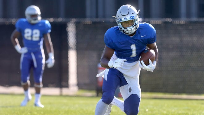 MTSU's Shane Tucker (1) will be out for the 2016 season after suffering an leg fracture.