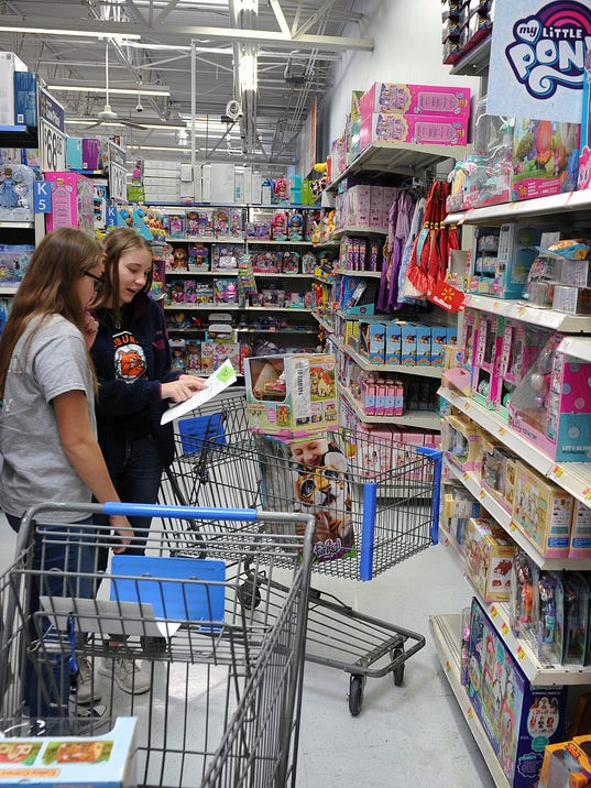 Cops Shopping for Kids 2