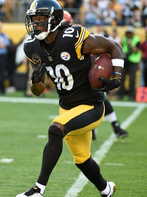 Pittsburgh Steelers wide receiver Martavis Bryant (10) plays in an NFL football game against the Cincinnati Bengals, Sunday, Oct. 22, 2017, in Pittsburgh.