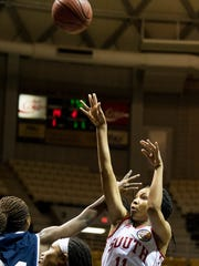 South's Maori Davenport (11), of Charles Henderson,