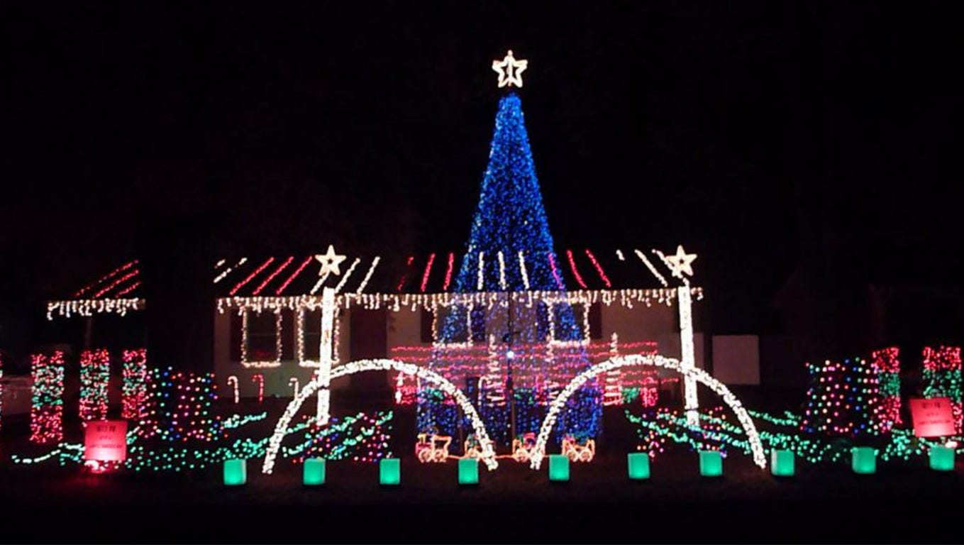 Christmas Light Installers Near Me New Palestine