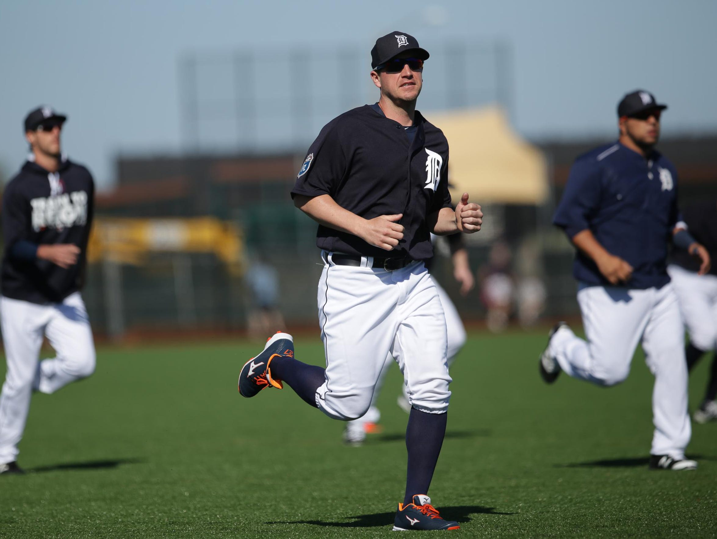 Tigers pitcher Jordan Zimmermann warms up during Tigers