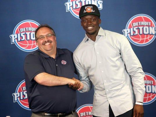 Photo of Reggie Jackson & his friend,