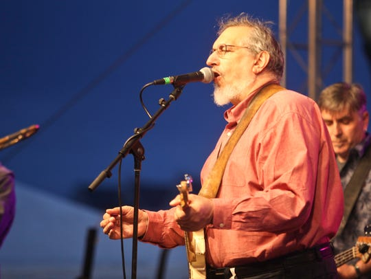 David Bromberg performs at his namesake festival in Wilmington.