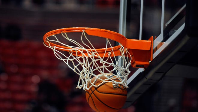 CJ Wright and Josh Williamson combined for 22 points to lead the Airport Eagles to a 64-56 victory over the Eastside Eagles in the semifinal round of the 2015 C. Dan Joyner Poinsettia Classic held at Greenville High School on Tuesday night.