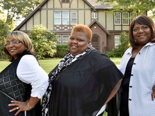 The Como Mamas, from Como, stand in front of the Eudora Welty house in Jackson. (Left to right) Angelia Taylor, Della Daniels and Ester Mae Smith have been performing as a trio for 10 years and are signed to Daptone Records in Brooklyn, New York.