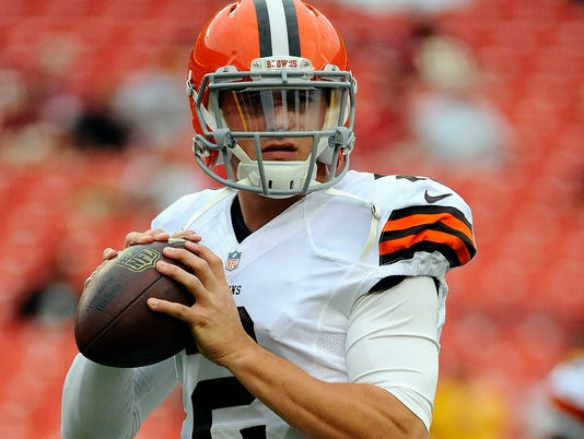 Browns' Johnny Manziel fined $12,000 by NFL for flipping bird