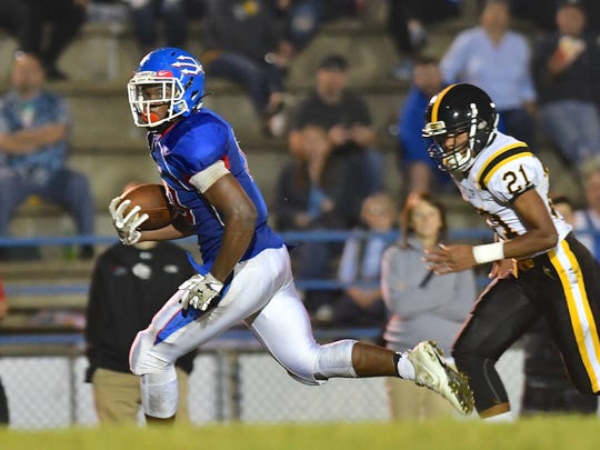 Mancini Jackson scored two early touchdowns in Reading's