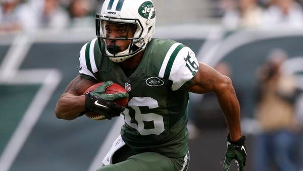 Percy Harvin returns a kickoff for the Jets during the first half against the Buffalo Bills on Sunday.
