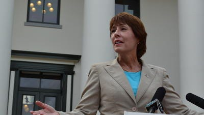 Rep. Gwen Graham wants to develop a registry of people convicted of abusing and scamming senior citizens.