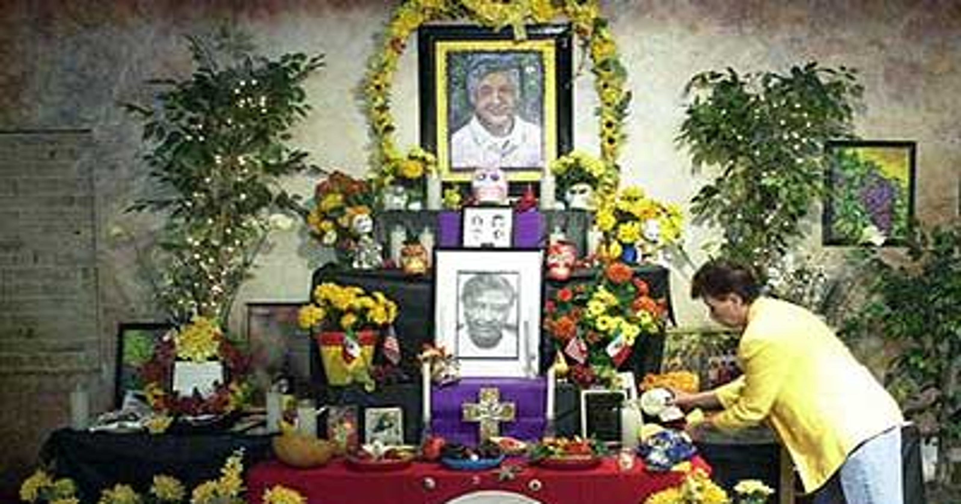 Day Of The Dead Altars Whats On A Traditional Version