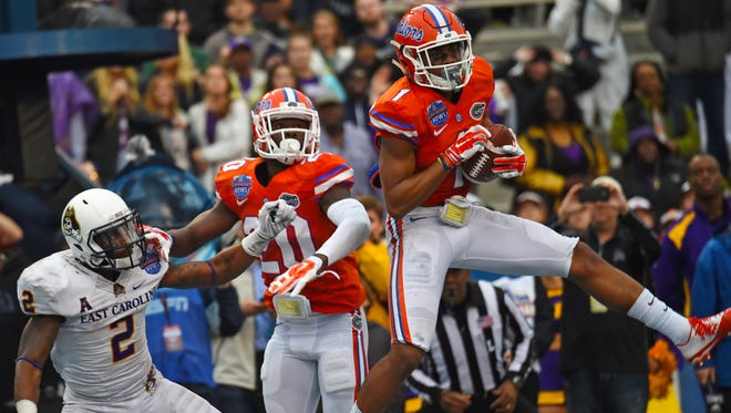 Florida Gators defensive back Vernon Hargreaves III (1) is someone to keep an eye on during Saturday's Ole Miss-Florida game.