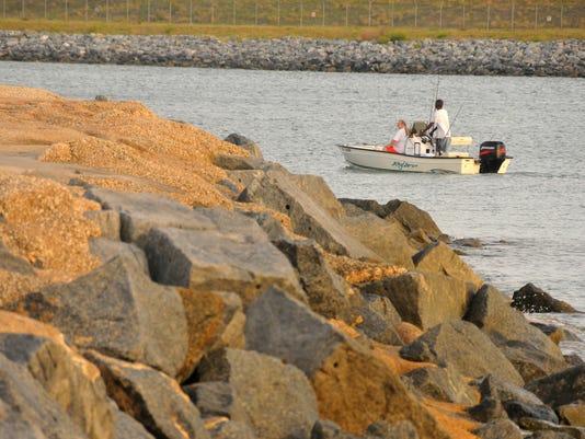 Fewewr Boats