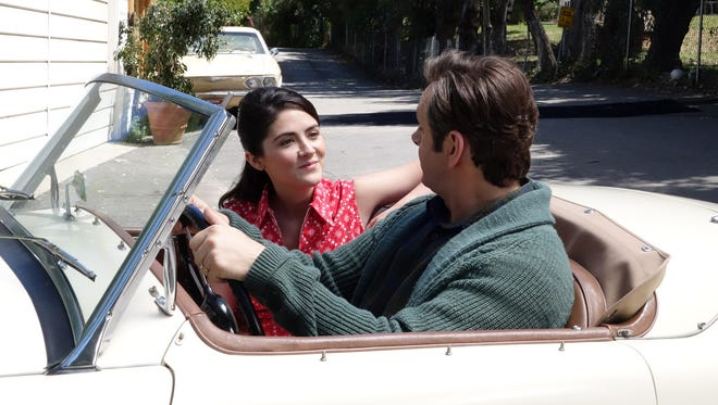 Virginia Johnson (Lizzy Caplan) and William Masters (Michael Sheen) navigate the 1960s in Season 3 of 'Masters of Sex.'