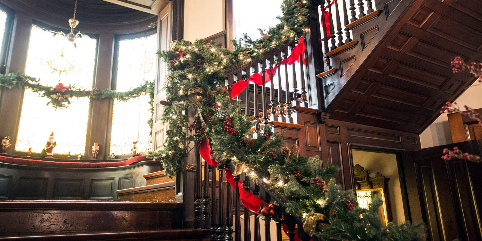 How To See Inside Those Beautiful Victorian Homes In Old Louisville This Holiday Season