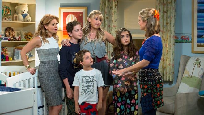 The Tanners are back for 'Fuller House' in Feb.