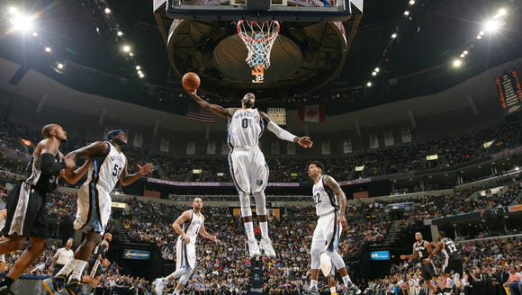 JaMychal Green #0 of the Memphis Grizzlies grabs the
