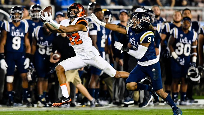 Nov 12, 2016; Pasadena, CA, USA; Oregon State wide receiver Seth Collins (22) had two catches for 44 yards in Saturday's 38-24 loss at UCLA.