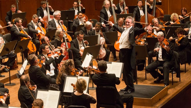 Conductor Louis Langrée with the Cincinnati Symphony Orchestra, shown on tour at Lincoln Center in New York in 2015.