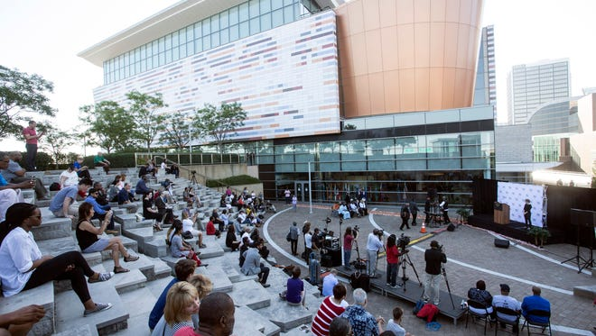 A Saturday morning event at the Ali Center drew several dozen fans of the champ for the start of the I Am Ali Festival. 6/3/17