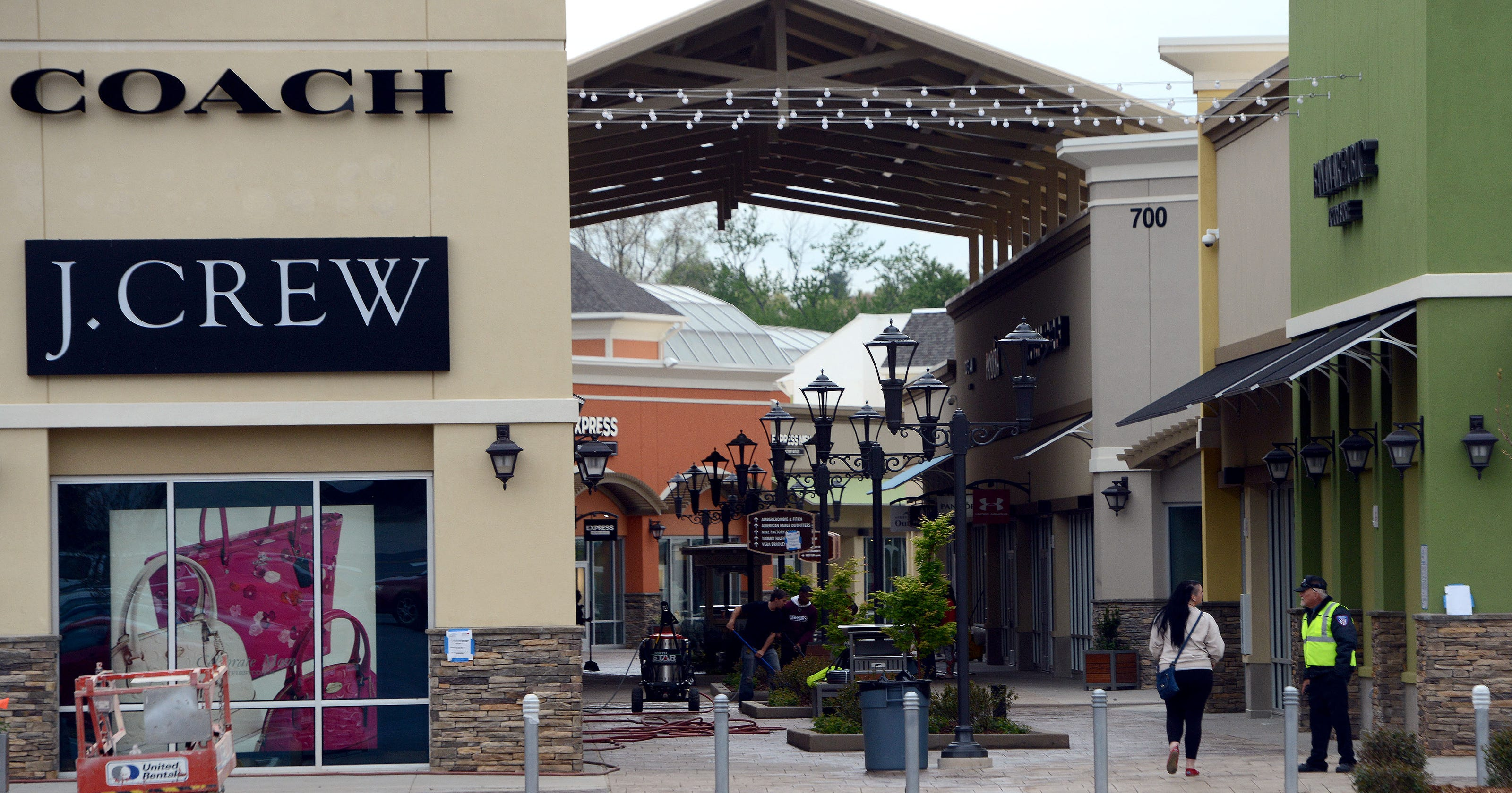 Asheville Outlet Mall >> Thanksgiving 2018 Hours For The Mall Asheville Outlets