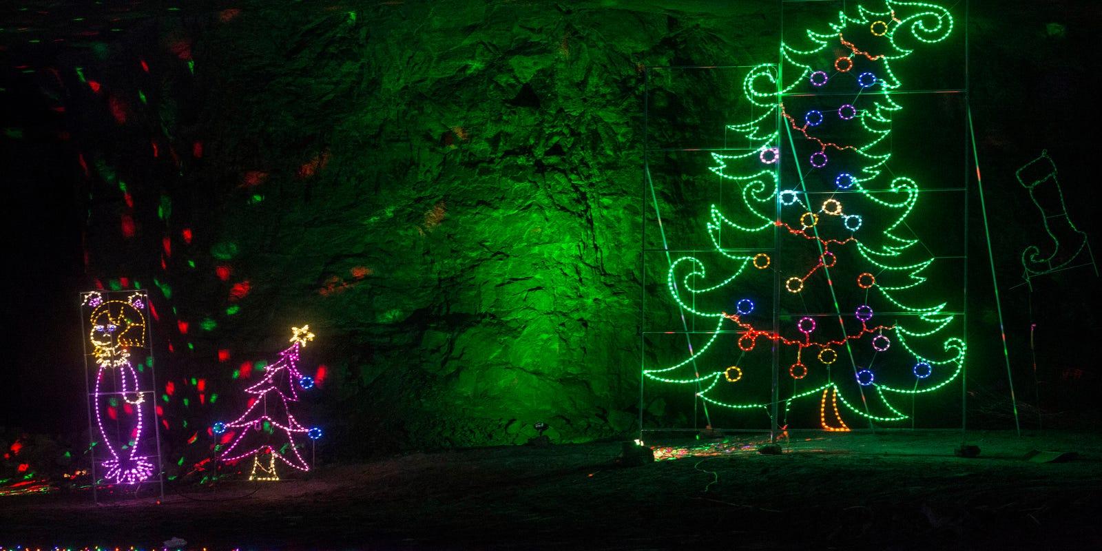 Mega Cavern Christmas Lights.Louisville Mega Cavern 100 Acres Of Christmas Lights Bike