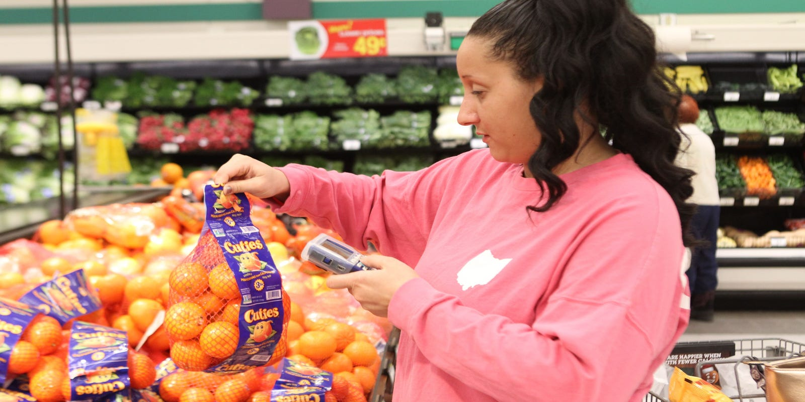 Kroger partners with UK online grocer Ocado, plans automated