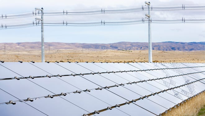 First Solar plans to build a solar plant in Arlington for APS similar to this plant in California.