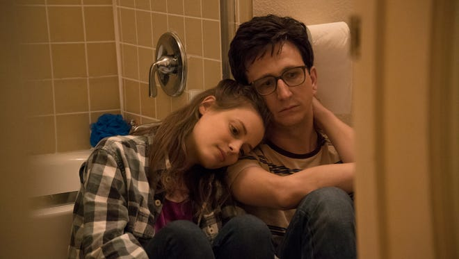 Mickey (Gillian Jacobs) and Gus (Paul Rust)