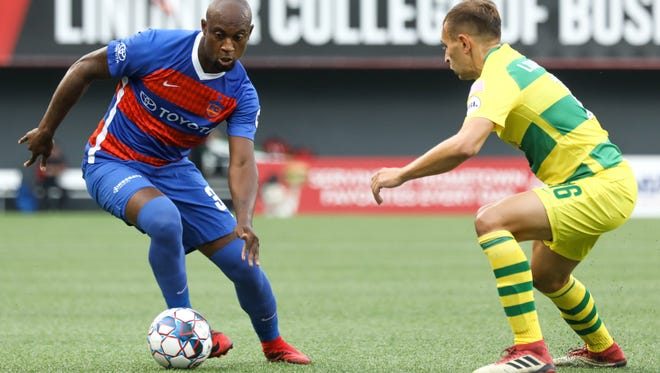 Justin Hoyte tries to find a break in the Tampa Bay defense during the FC Cincinnati vs Tampa Bay Rowdies match at Nippert Stadium on Saturday July 14,. 2018.